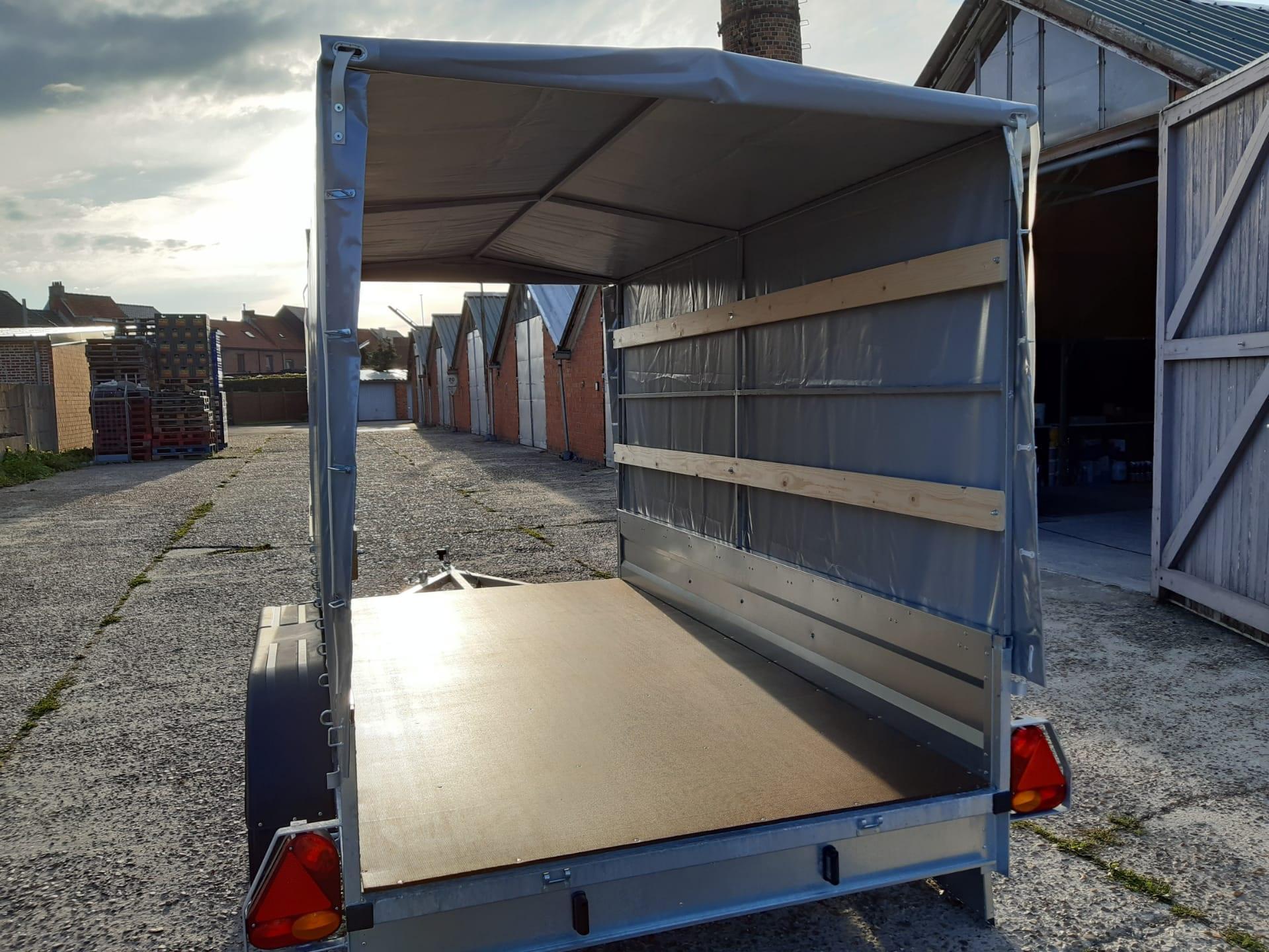 Aanhangwagen /trailer /remorque/ Remorca /dubbel As L250 X B126 X H145